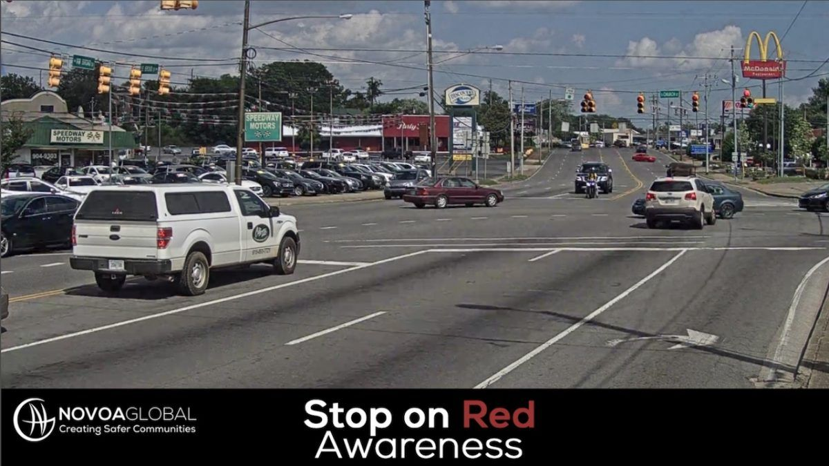 image of crash in an intersection